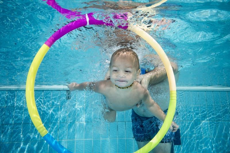 Víz alatti babaúszás fotózás